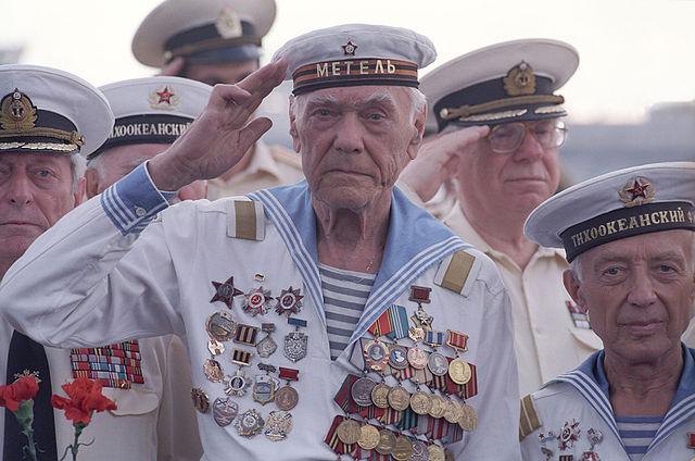 Зарплата моряков и матросов на судне дальнего плавания в России