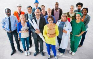 Работа и вакансии в Риге для русских: средняя зарплата в столице Латвии