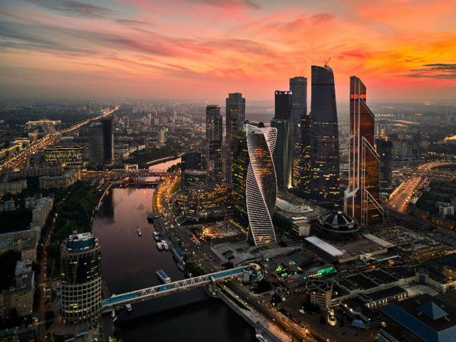 Средняя и минимальная зарплата в Москве по профессиям в 2020 году