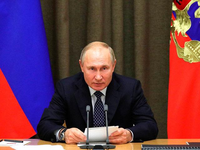 Официальная зарплата президента РФ: сколько получает Путин В.В за месяц, год в рублях