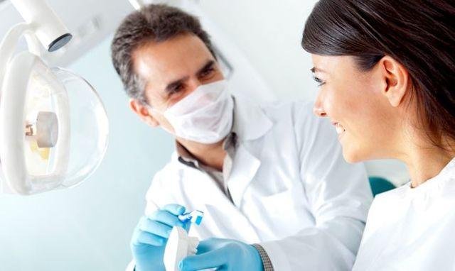 Средняя зарплата стоматолога в Москве и других городах России